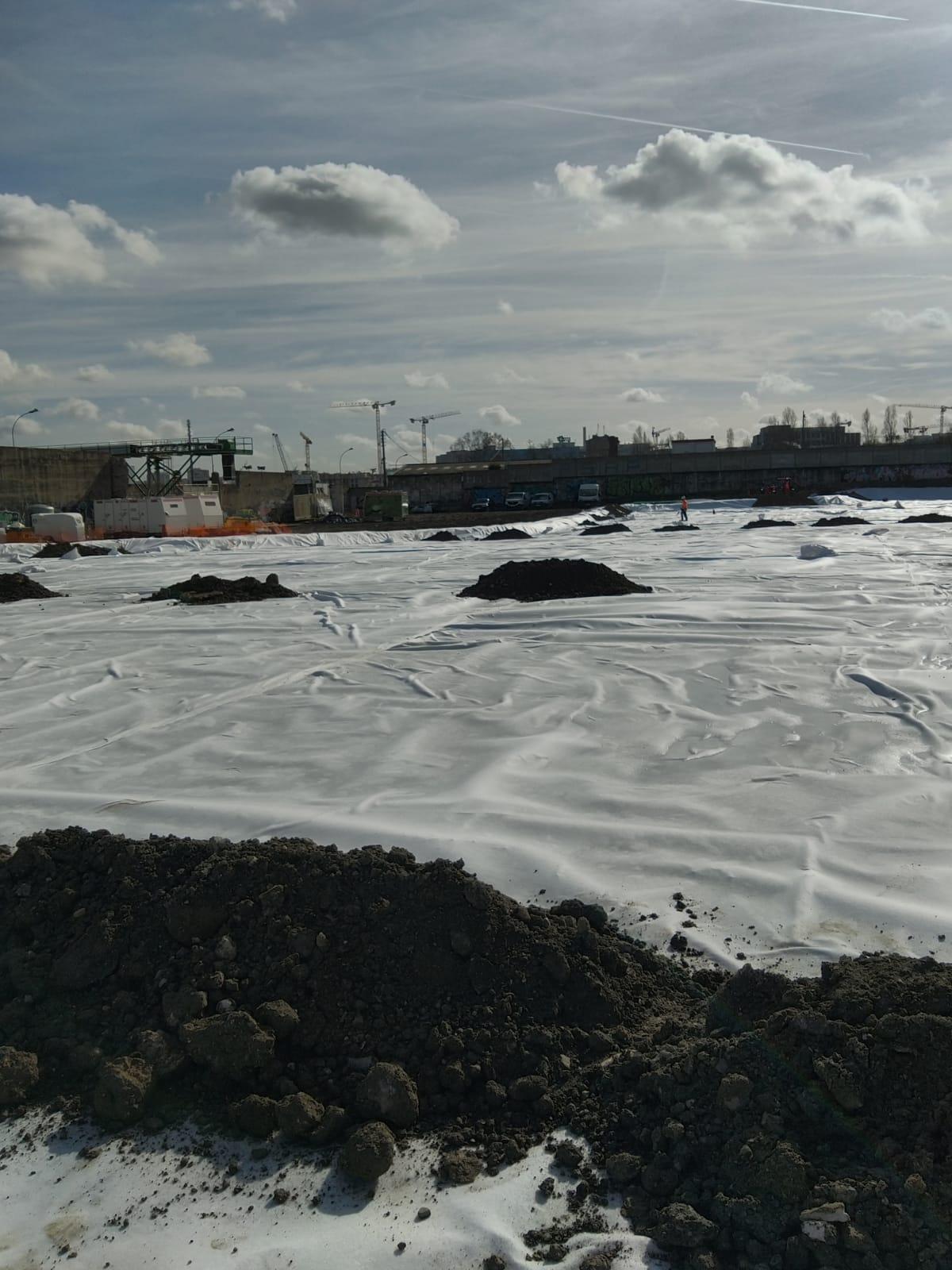 confinement de terres polluées sur anciens depots hydrocarbures